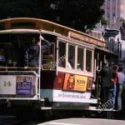 cable-car-near-knob-hill-and-powell-street-san-francisco-california